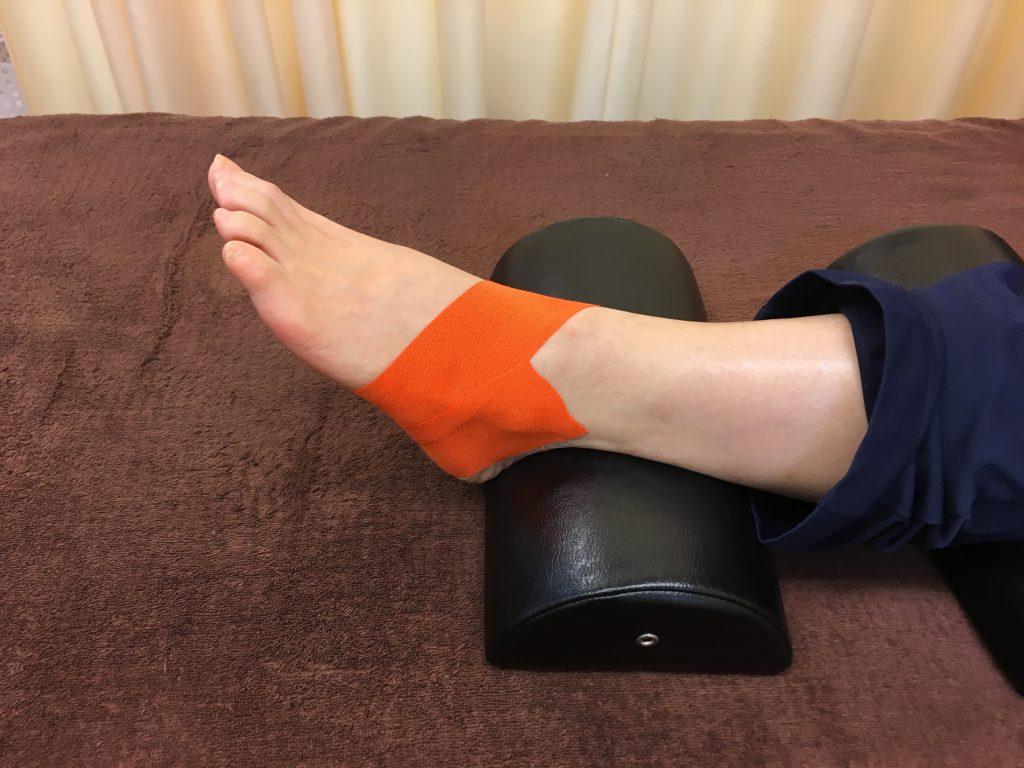 足関節テープ 運動機能分析システム/姿勢検査/施術技術 整体院・整骨院・接骨院・リハビリなどで、腰椎ヘルニア/脊柱管狭窄症/五十肩/変形性膝関節症の早期改善と再発を予防します。運動分析は根本施術として利用される独自の施術方法です。アスリートや大学病院の医師も通われる整体技術です。京都市右京区 太秦天神川駅徒歩2分 京都市右京区、中京区、上京区にお住まいの方は、【松村整体】にお任せください。