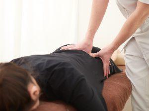 腰椎ヘルニア 施術 整体 運動機能分析システム/姿勢検査/施術技術 整体院・整骨院・接骨院・リハビリなどで、腰椎ヘルニア/脊柱管狭窄症/五十肩/変形性膝関節症の早期改善と再発を予防します。運動分析は根本施術として利用される独自の施術方法です。アスリートや大学病院の医師も通われる整体技術です。京都市右京区 太秦天神川駅徒歩2分 京都市右京区、中京区、上京区にお住まいの方は、【松村整体】にお任せください。