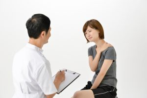 カウンセリング 運動機能分析システム/姿勢検査/施術技術 整体院・整骨院・接骨院・リハビリなどで、腰椎ヘルニア/脊柱管狭窄症/五十肩/変形性膝関節症の早期改善と再発を予防します。運動分析は根本施術として利用される独自の施術方法です。アスリートや大学病院の医師も通われる整体技術です。京都市右京区 太秦天神川駅徒歩2分 京都市右京区、中京区、上京区にお住まいの方は、【松村整体】にお任せください。