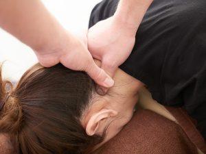 頚椎ヘルニア 整体 施術 運動機能分析システム/姿勢検査/施術技術 整体院・整骨院・接骨院・リハビリなどで、腰椎ヘルニア/脊柱管狭窄症/五十肩/変形性膝関節症の早期改善と再発を予防します。運動分析は根本施術として利用される独自の施術方法です。アスリートや大学病院の医師も通われる整体技術です。京都市右京区 太秦天神川駅徒歩2分 京都市右京区、中京区、上京区にお住まいの方は、【松村整体】にお任せください。