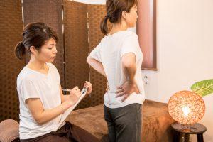 カウンセリング ヒアリング 運動機能分析システム/姿勢検査/施術技術 整体院・整骨院・接骨院・リハビリなどで、腰椎ヘルニア/脊柱管狭窄症/五十肩/変形性膝関節症の早期改善と再発を予防します。運動分析は根本施術として利用される独自の施術方法です。アスリートや大学病院の医師も通われる整体技術です。京都市右京区 太秦天神川駅徒歩2分 京都市右京区、中京区、上京区にお住まいの方は、【松村整体】にお任せください。